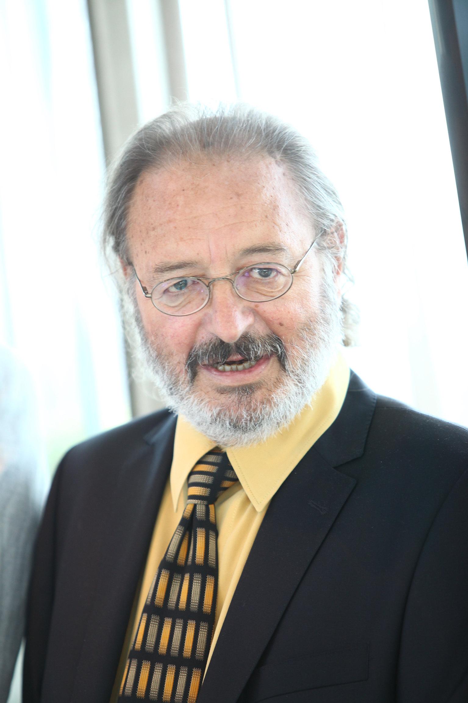 Prophylaxe-Referent der Österreichischen Zahnärztekammer (Foto © Colgate, Ludwig Schedl):