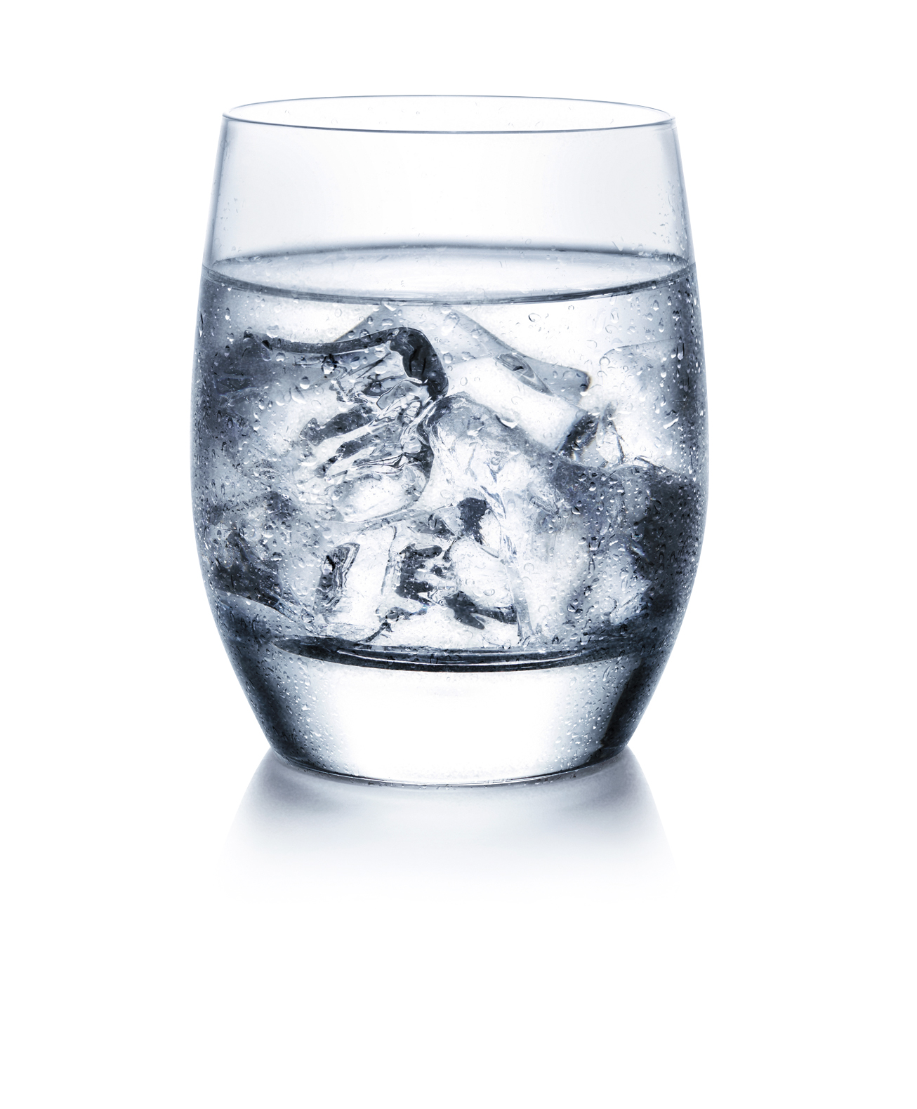 Eiswasser kann bei Dentinhypersensibilität schmerzhaft sein (Foto. © Colgate)