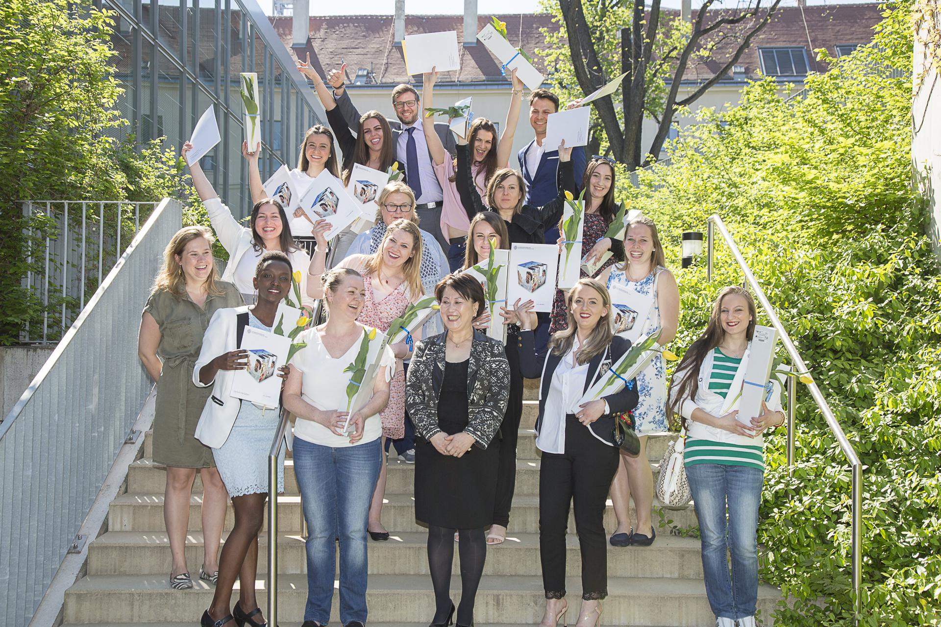 Abb4: Absolventinnen des Jahrgang 2018/2018 - Foto (c) Universitätszahnklinik Wien
